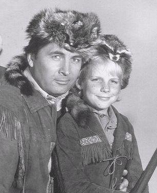 Daniel Boone with Fess Parker and Darby Hinton(Assisti vários filmes do Daniel e amei)