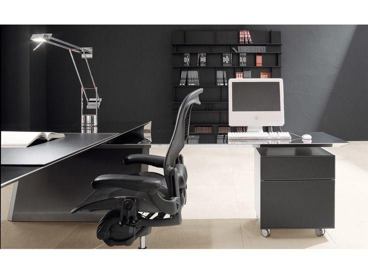 Mit Dem Schreibtisch Vega Edelstahl Von Cattelan Italia Wird Jedes  Arbeitszimmer Zu Einem Futuristischen Ort. Überzeugen Sie Sich Selbst!