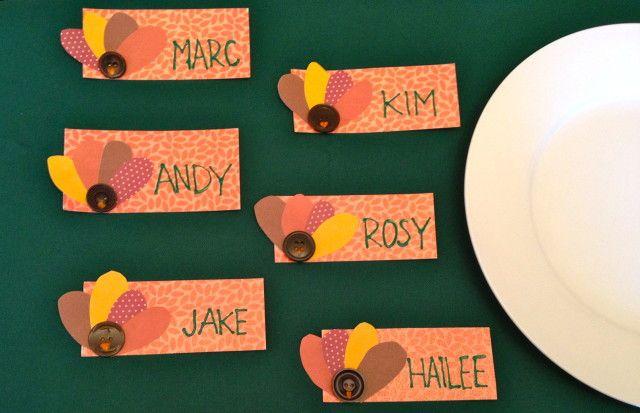 Si estás pensando celebrar este año Acción de Gracias, puedes elegir una decoración específica para la mesa de una cena muy especial, pero además puedes enviar o entregar tarjetas para las que queremos darte alguna que otra idea a continuación. En Espaciohogar, Modelos de Tarjetas de Accion de Gracias – Thanksgiving Day.