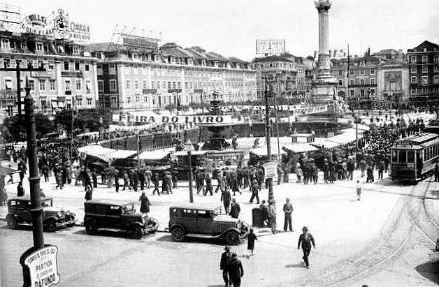I Feira-do-Livro de Lisboa - Rossio - Maio 1931