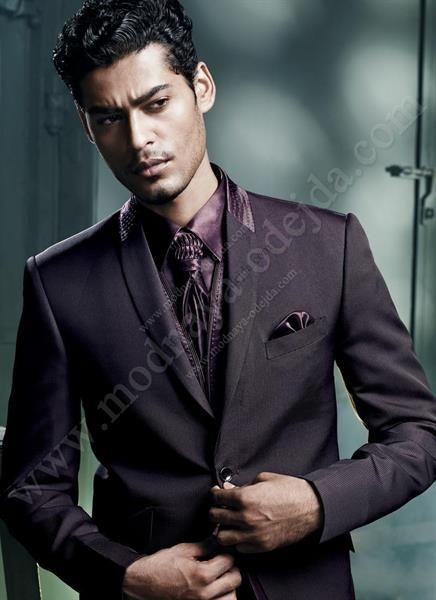 Фиолетовая рубашка галстук