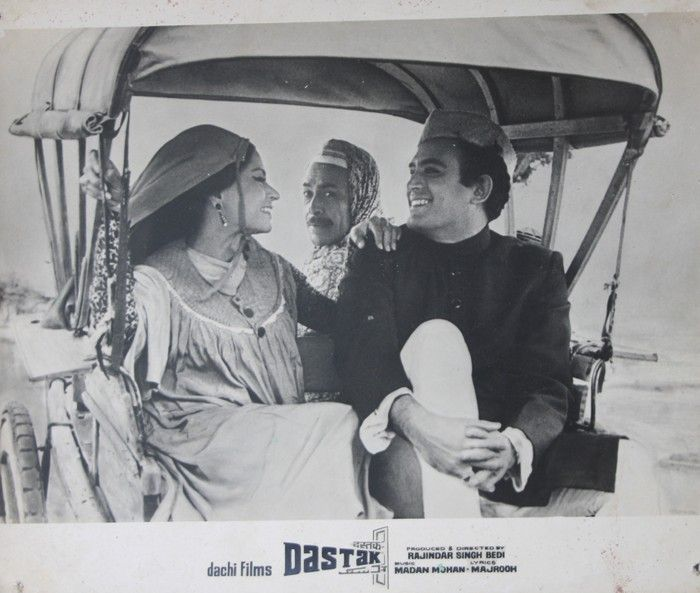 Tonga was a revered means of transportation in old Bollywood movies too! :) This is how the vehicle was used in the 1970 movie Dastak! #Bollywood #Tomgs #transport #heritage