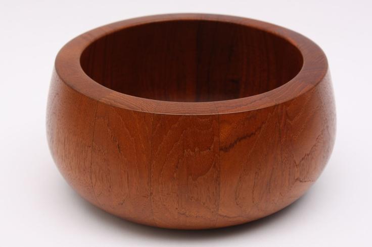 Teak bowl no. 1 | CHASE & SORENSEN // DANISH MODERN FURNITURE & HOME DÉCOR