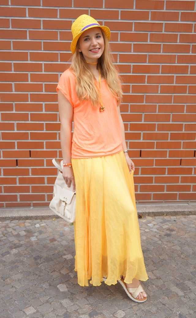 Outfit: Schlagermove Rotkäppchen Fruchtsecco - GlamourSister.com