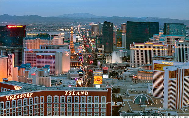 (Las Vegas) Top 10 cities people are moving to | Whether it's the warm weather, jobs or cheap cost of living, these are the top 10 cities Americans are moving to, according Penske Truck Rental's annual list.