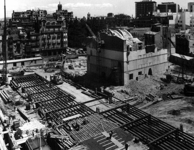 El primer Corte Inglés en Valencia inaugurado en 1971(Pintor Sorolla)  Finalizando los 60 obras en la zona de la Iglesía Santa Catalina de Siena