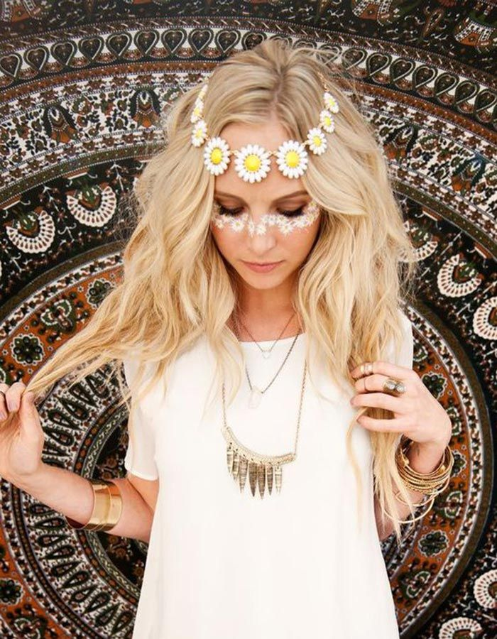 15 Diy Halloween Costumes That Are Scary Easy Trendy Halloween Costumes Hippie Halloween Costumes Diy Hippie Costume
