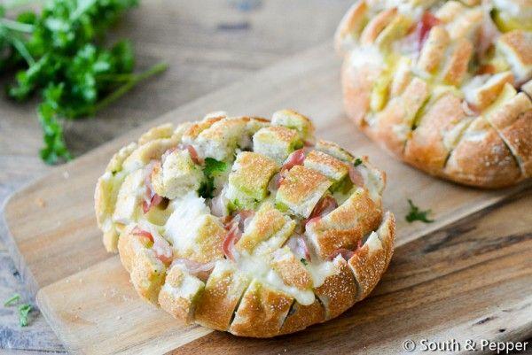 Kruidenboter-mozzarella-pancetta plukbroodje