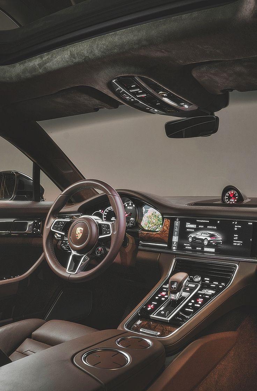 Les 25 meilleures id es de la cat gorie porsche panamera for Interieur voiture de luxe