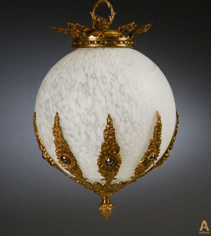 """Люстра """"Фонарь"""" выполненная из матового стекла, украшенная элементами художественной бронзы.  Ø 30 см"""