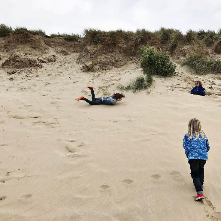 Nobody wanted to go home after our photo shoot with the lovely foreverimagesuk last night. Rolling down the sand dunes was too much fun. Love Crantock  Where's your favourite beach?