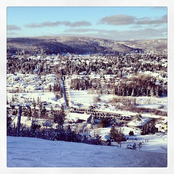 Perfect day on the slopes. Mont Saint Sauveur, Quebec, Canada
