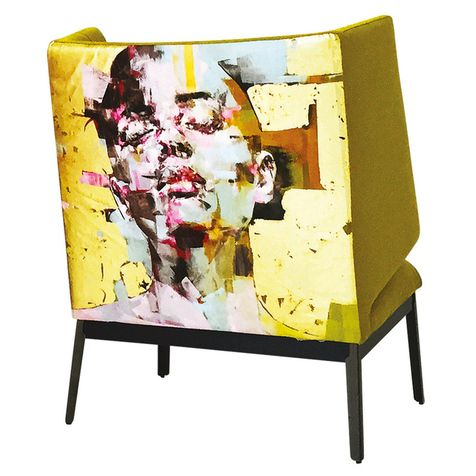 Кресло из коллекции Hug, дерево, текстиль, Arflex.