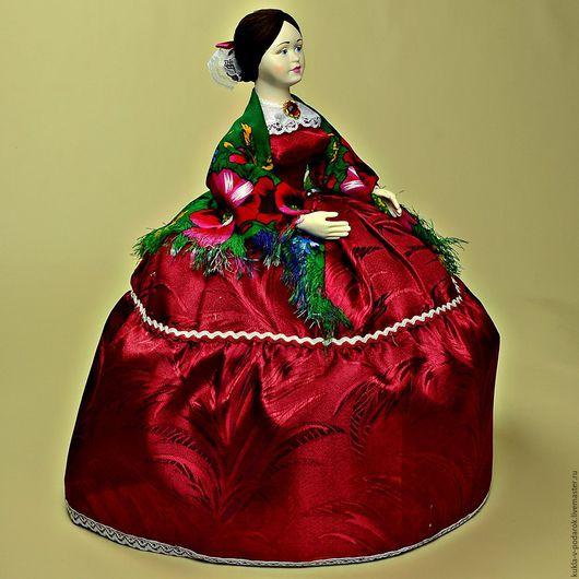Подарок для чая кукла грелка на чайник. Для дома и интерьера кухни. Кукла ручной работы от мастерской `Кукла в Подарок`. Место изготовления - Москва. Доставка Почтой России в регионы и другие страны.