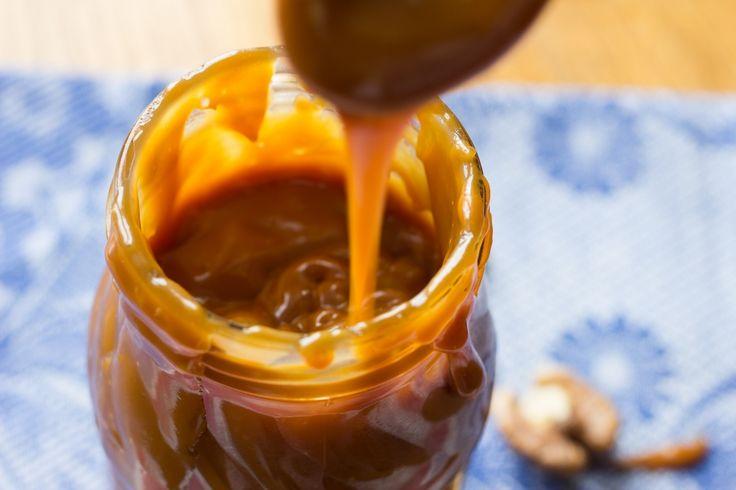 Карамель как в Сникерсе - даже вкуснее, потому что домашняя, 100% натуральная! Мягкая, густая, тягучая! Проверенный пошаговый рецепт с фото - здесь!