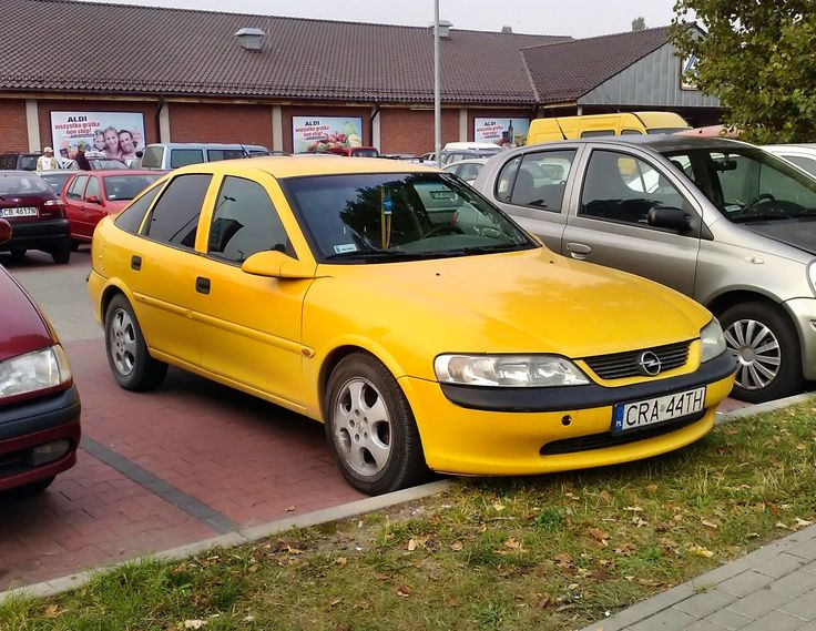 Opel Vectra B - Yellow car