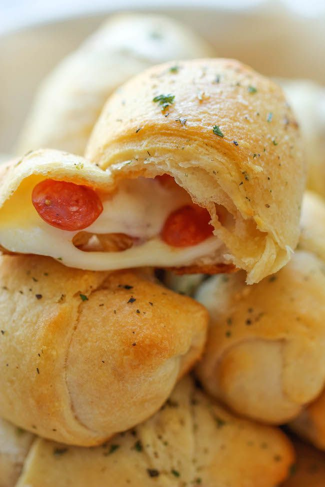 Pizza Roll Ups - These cheesy 5-ingredient pizza roll-ups come together so quickly and easily!!