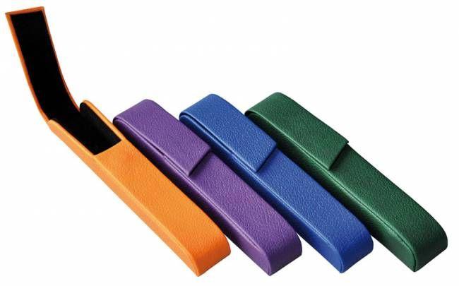 ETUI NA DŁUGOPIS ALASSIO RIVOLI NIEBIESKIE    eleganckie i niezwykle praktyczne etui na długopis  wykonane z materiału imitującego skórę  mieści do dwóch artykułów piszących o max. długości 145mm oraz średnicy 10mm  magnetyczne zamknięcie  wymiary: 155x25x20mm  kolor niebieski    Cena netto:      15.02 zł
