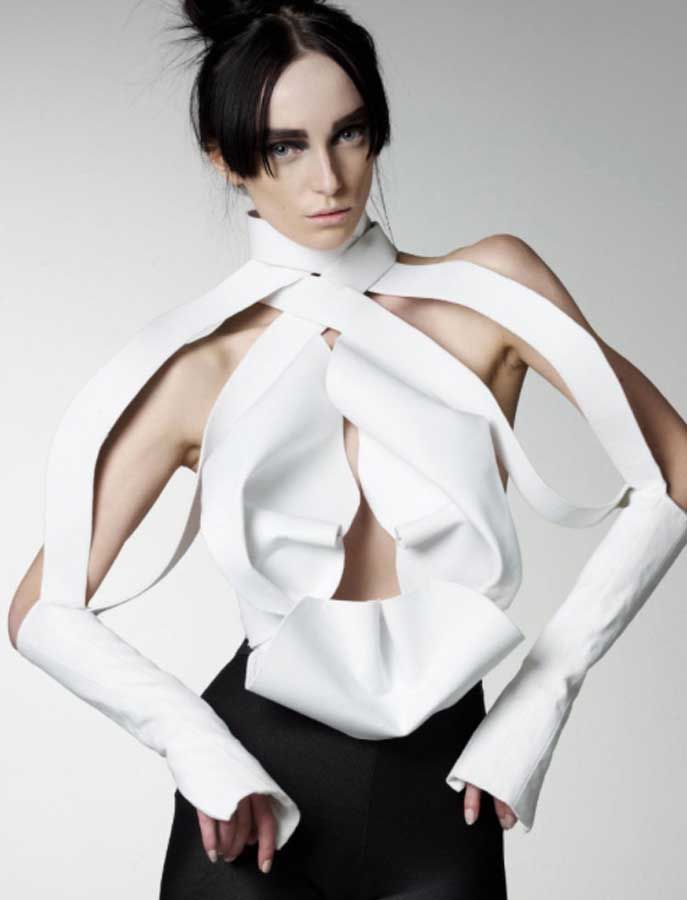 A style of shifting silhouettes Francesca Capper is a young British fashion designer based in London, inspired by the idea of clothes that ...