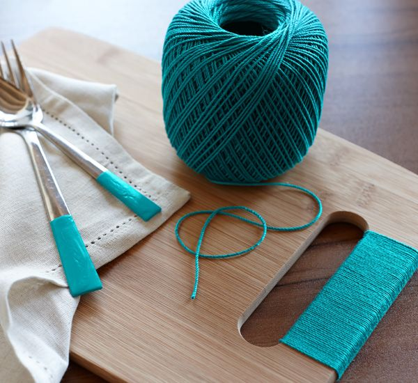 Update your everyday items to create unique place settings; just tie colored string around a handled cutting board & cutlery.