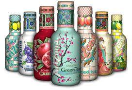 Au niveau de la communication, l'impact visuel est le point fort du packaging. En effet, le graphisme détaillé de chaque bouteille saute aux yeux des consommateurs dans les rayons de supermarchés, ce qui facilite l'impulsion à l'achat. De plus, le packaging exprime très bien le positionnement de la marque, avec un packaging qui colle très bien aux biens faits du thé sur la santé, et d'une boisson 100% naturelle, sans colorant, sans conservateur.