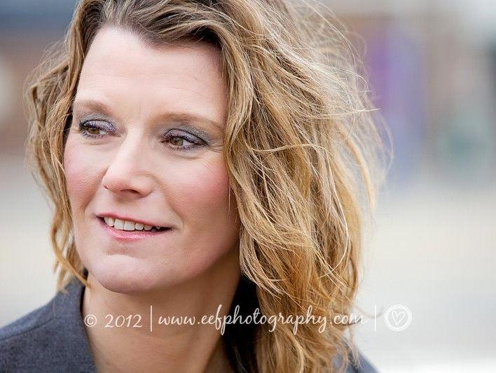 Zakelijk portret: fris, authentiek & kleurrijk - Eef OuwehandEef Ouwehand | zakelijke portretfotografie en personal branding | amsterdam