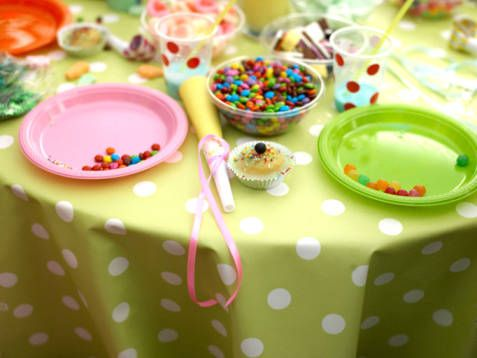 http://cdn1.stbm.it/pianetadonna/gallery/foto_gallery/cucina/decorarare-tavola-festa-carnevale/festa-di-carnevale.jpeg?-3600