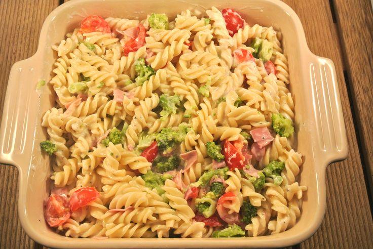 Pasta ovenschotel met Boursin, ham en broccoli - Lekker en Simpel