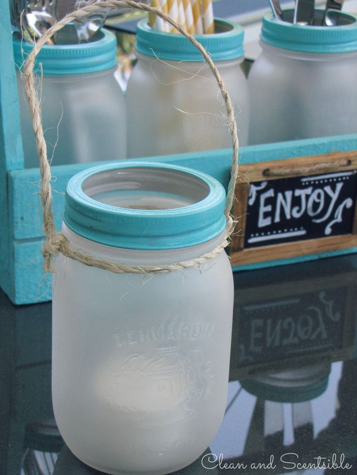 Cute Mason jar decor...so adorable and I really like the fresh summer color!