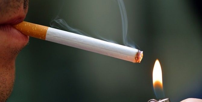 Overweight Teens More Likely to Pick up Smoking