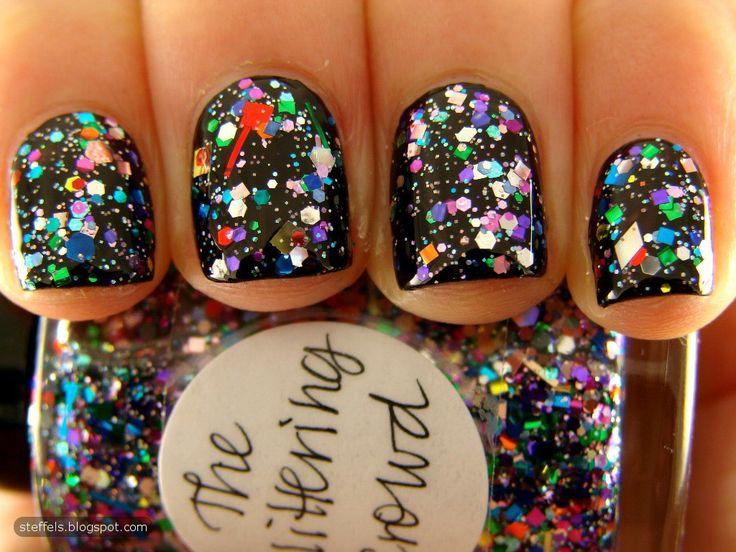 Lynnderella The Glittering Crowd over black: Nails Art, Nailpolish, Sparkle Nails, Black Nails, Glitter Nails, Parties Nails, Nails Polish, Sparkly Nails, New Years