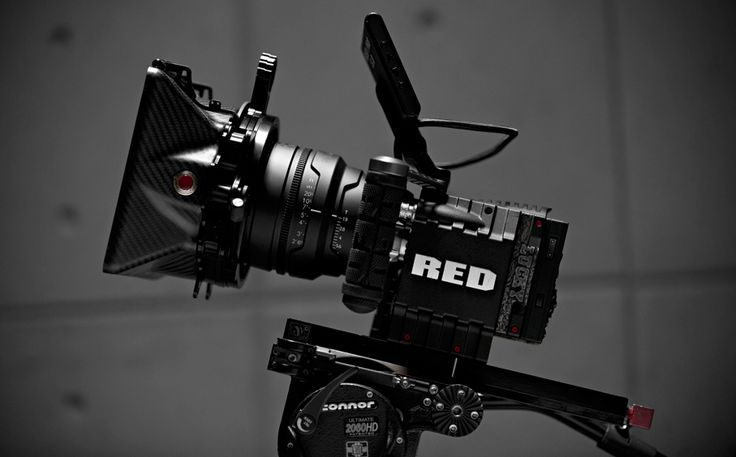 EPIC ushers in the next generation of digital cinema, featuring a 5K sensor capable of capturing 1 to 120 frames per second at full resolution. From fashion spreads to 3D IMAX features, EPIC has crossbred elite photography with unrivaled cinema capability—all in a camera the size of a DSLR.