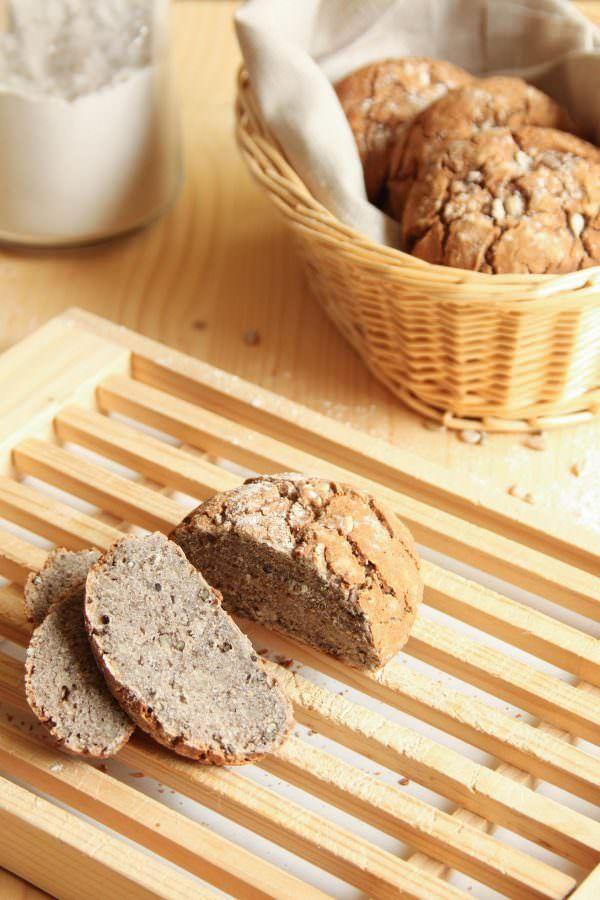 Petits pains bio rustiques sans gluten sans lait