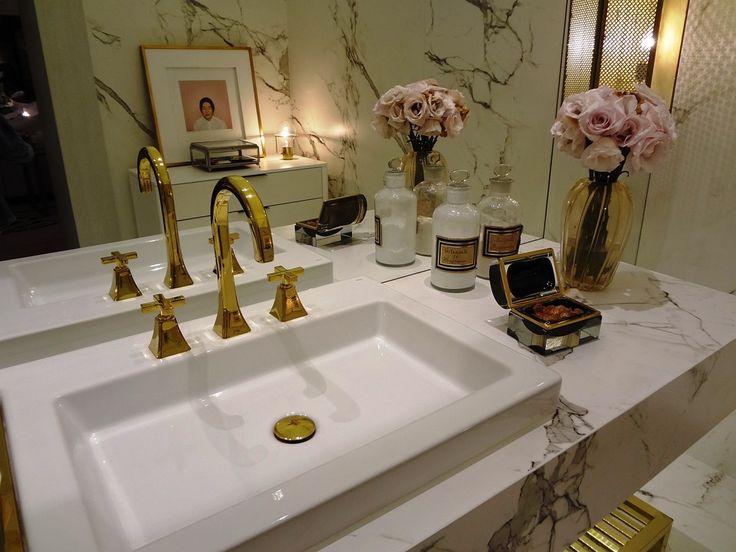 W łazience często potrzebujesz wielu drobiazgów, które niekiedy psują cały wystrój wnętrza.  Postanowiliśmy z tym skończyć!!  Przedstawiamy produkty, które udekorują łazienkę równocześcnie doskonale spełnią swoje funkcje