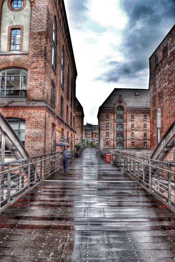 DanielHa: Die Speicherstadt Hamburg ist auch bei Regen toll