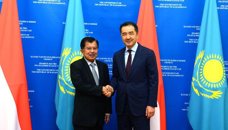 Bakytzhan Sagintayev holds a meeting with Vice President of Indonesia Jusuf Kalla  Today in Astana Prime Minister of the Republic of Kazakhstan Bakytzhan Sagintayev met with Vice President of Indonesia Jusuf Kalla.  http://s.pm.kz/pszH