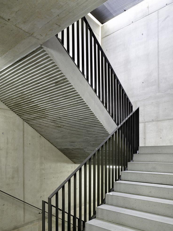 Lernwelt im Quadrat - Schweizer Schulhaus von Peter Moor