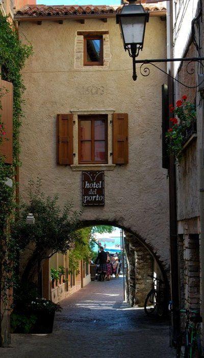 Torri del Benaco, Lake Garda, Veneto, Italy (by Carmelo61 PhotoPassion Thanks on Flickr)
