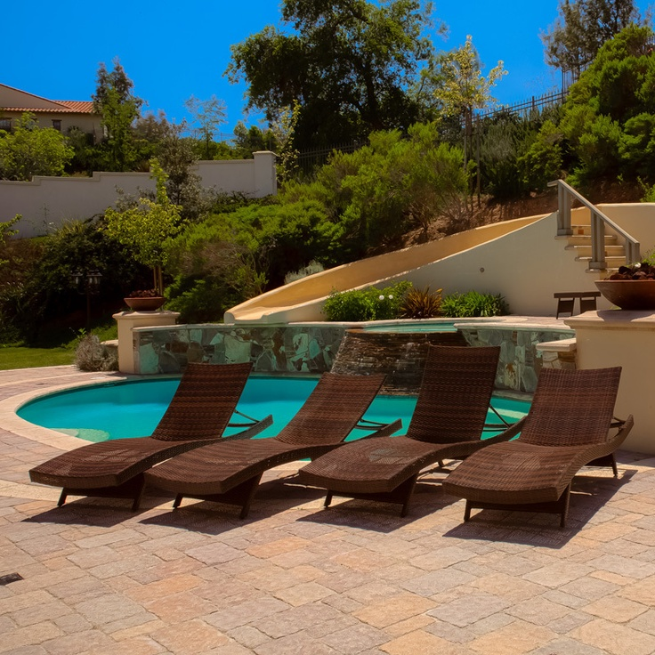 Set of 4 Luxury Outdoor Patio Furniture Pool PE Wicker Chaise Lounge Chairs