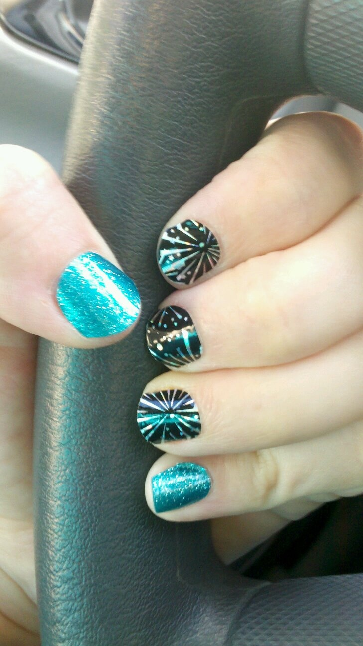 BUY 3, GET 1 FREE! One sheet is 15.00 and has enough sheilds to do 2 or 3 sets of nails. They last 2-3 weeks on fingers and 4-6 on toes!Jamberry Fireworks, Jamberry Parties, Berries Nails, Artjamberri Amazing, Jamberry Consultant, Jamberry Nails, Nails Artjamberri, Independence Jamberry, Fireworks Jamberry