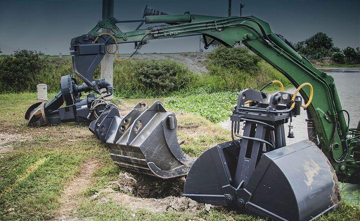 Stroj Watermaster je multifunkční díky své variabilitě možných koncovek, které se dají na rameno stroje připevnit.