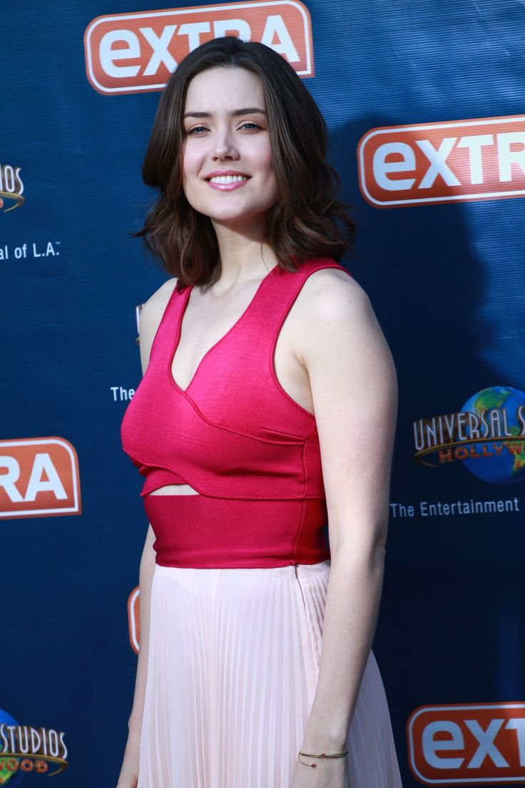 megan boone twitter | MEGAN BOONE on the Set of Extra in Universal City - HawtCelebs ...