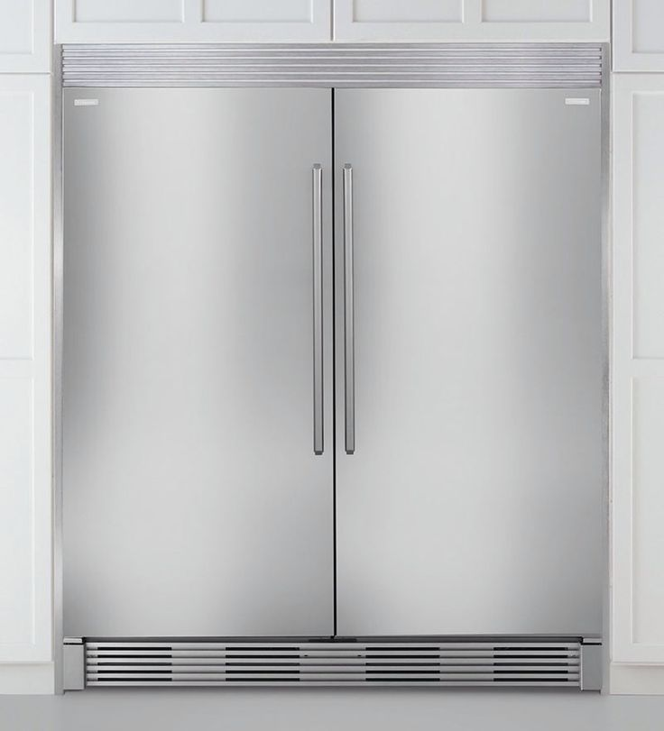 Electrolux full size, side by side fridge and freezer.   So want this!