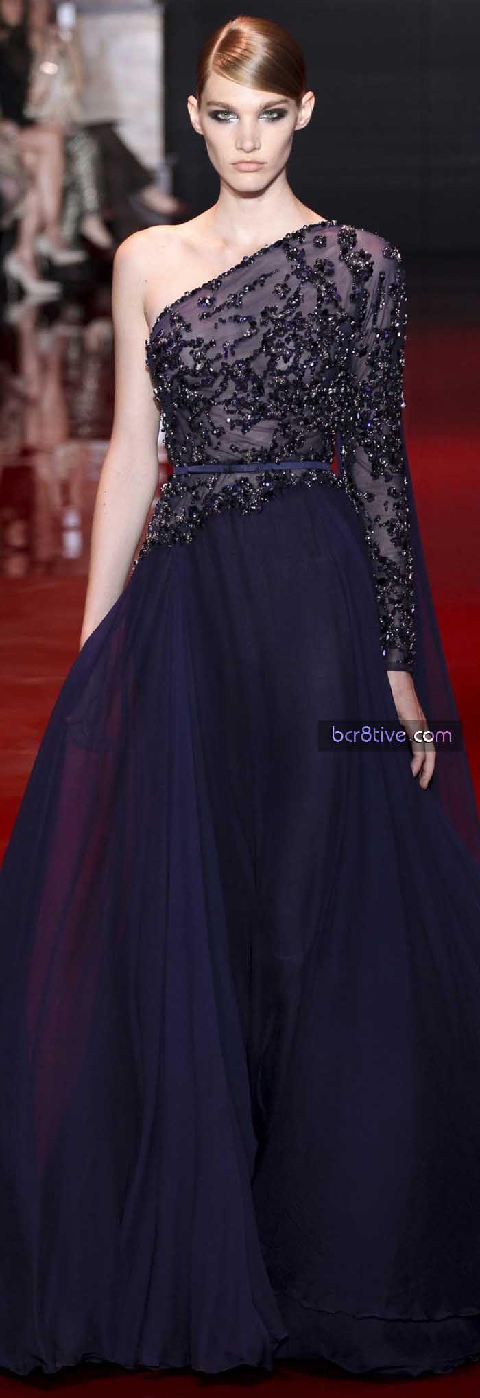 me encanta! realmente hermoso este vestido! muy elegante! Elie Saab FW 2014 Haute Couture