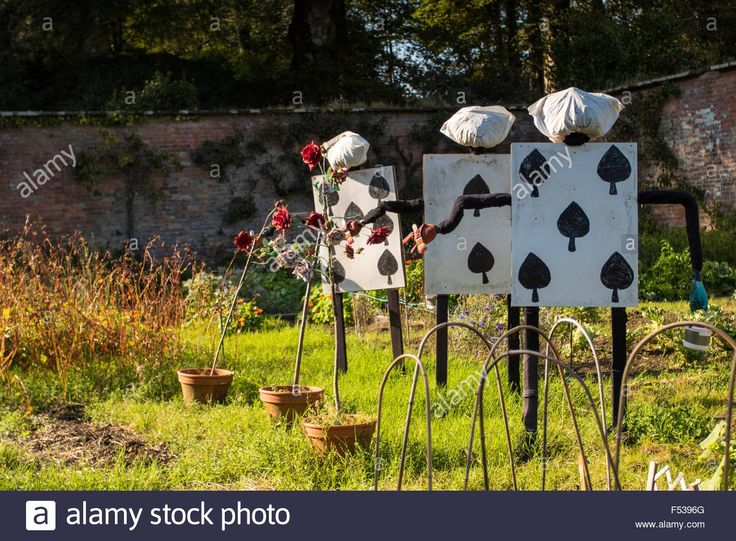 best 20 scarecrow garden ideas on pinterest scare crow scarecrows and diy yard decor. Black Bedroom Furniture Sets. Home Design Ideas