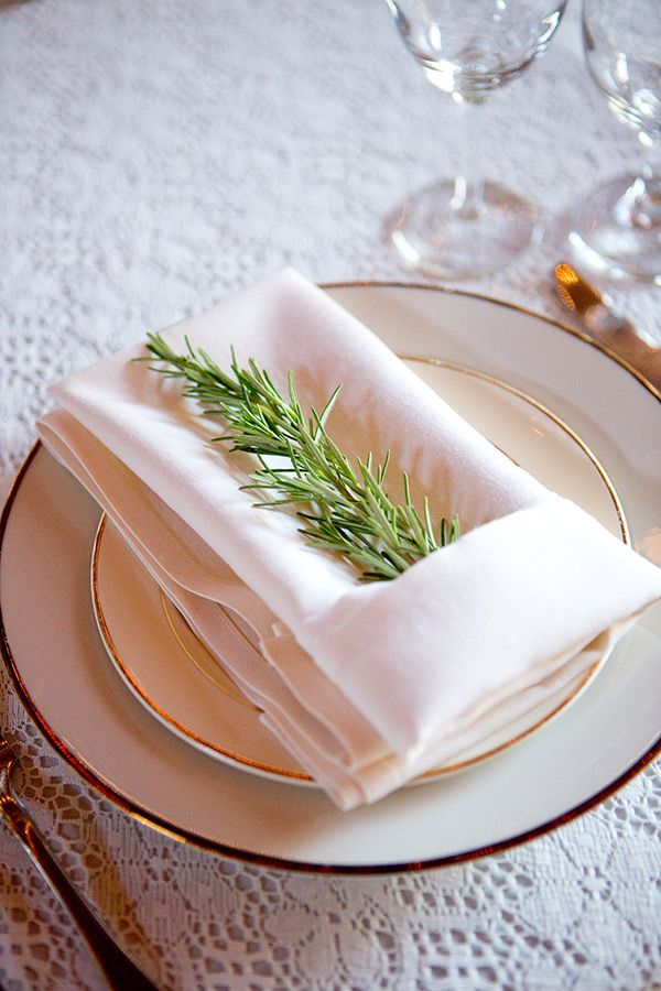 simple but classy place setting ideas