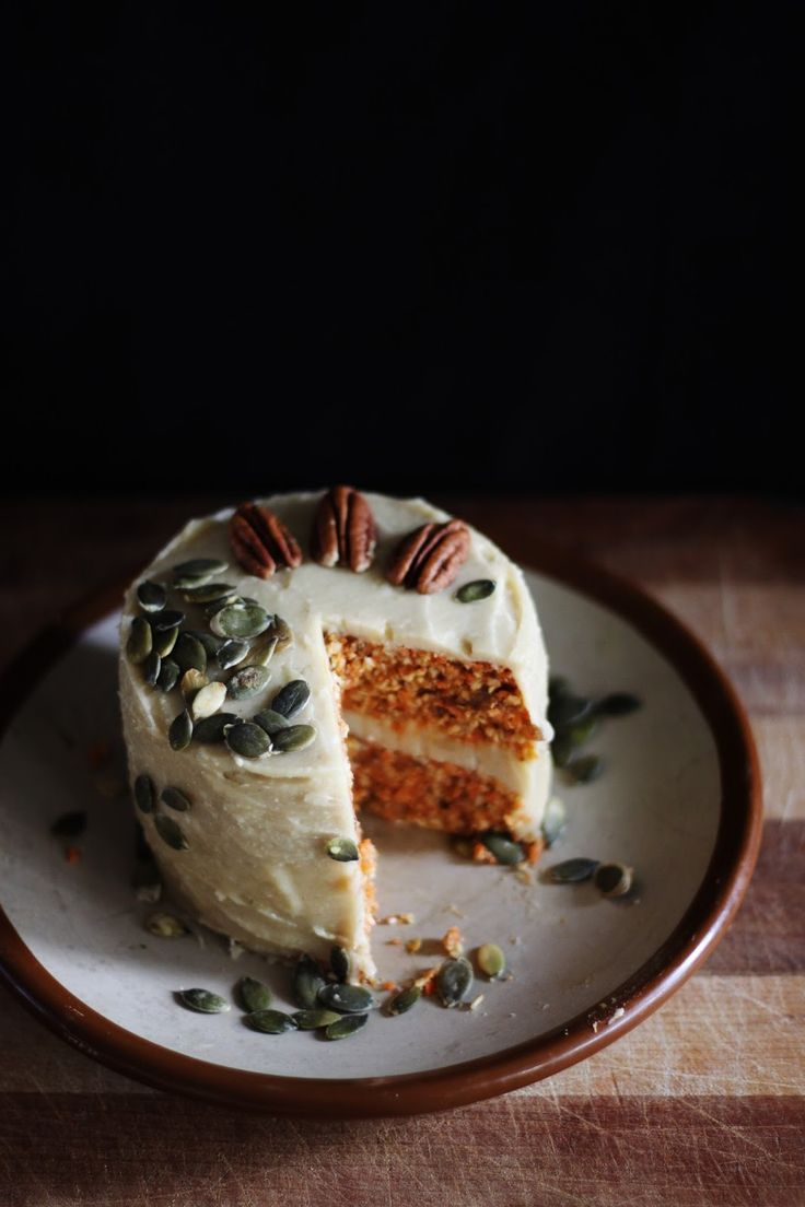This Rawsome Vegan Life: RAW VEGAN CARROT CAKE with CREAMY CASHEW LEMON FRO...