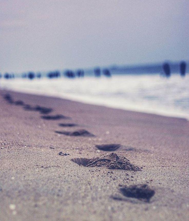 A late evening walk in our #Pondicherry Beach     P.C : Hill_key_ah  #Frenchcolony #FrancoTamil #puducherry #pondy #pondycherry #Auroville #pondicherrydiaries #ilovepondicherry #india #france #pondicherrybeach #architecture #culture #culturegram #culturalblends #french #tamil #rue #southindia #india #IncredibleIndia #Lifestyle #aurobindo #Ashram #aurobindoashram #pondicherryindia