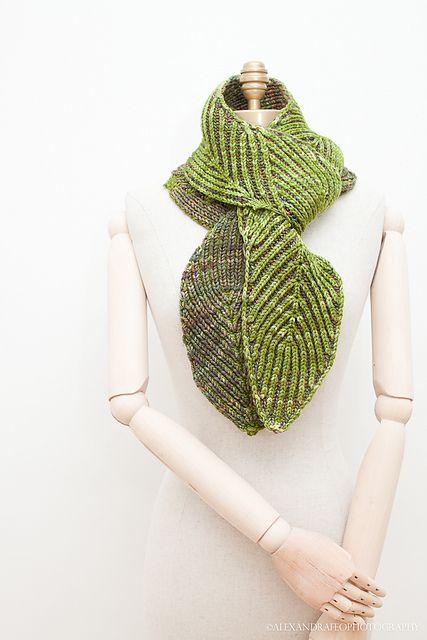 Ravelry: Bay Leaf pattern by Nancy Marchant