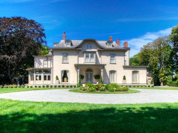Bellevue Avenue Newport Real Estate Newport Ri Homes For Sale Zillow With Images Mansions Real Estate Historic Home